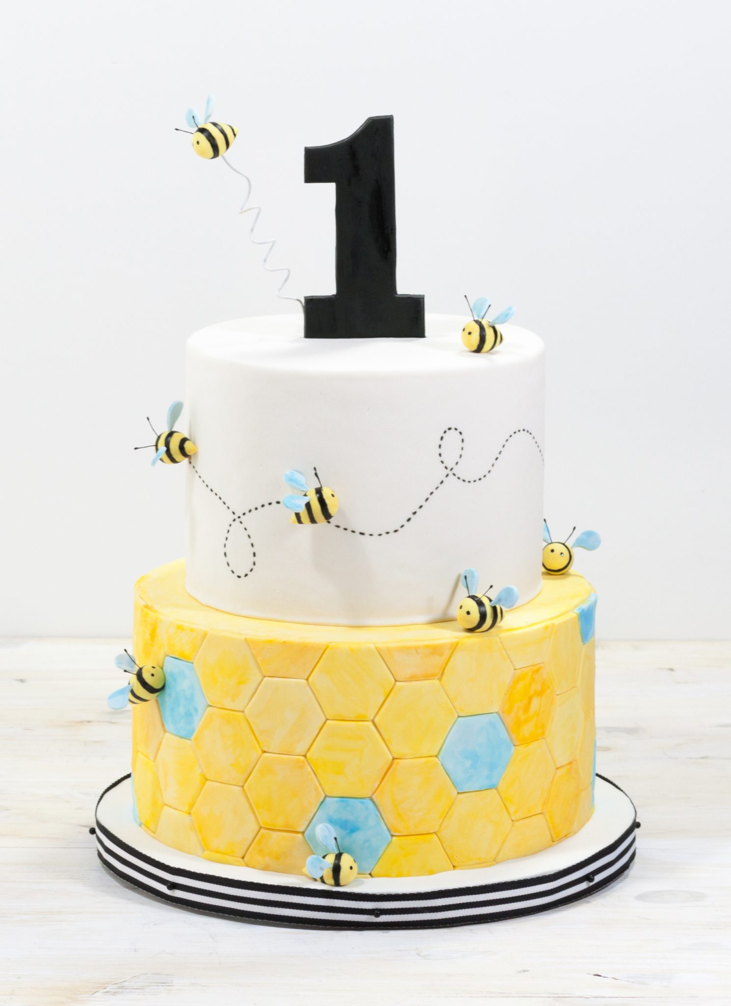 busy-bees-birthday-cake-whipped-bakeshop