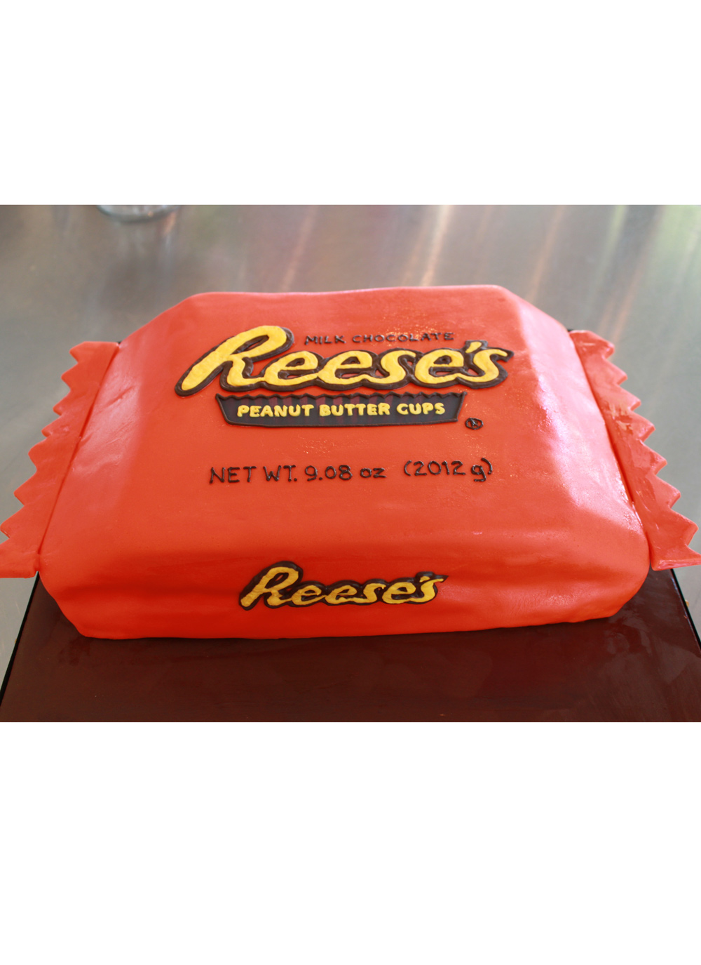 reeses-peanut-butter-cup-grooms-cake-4-whipped-bakeshop